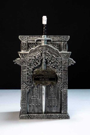 GAME OF THRONES COLLECTOR EDITION